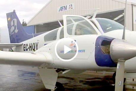 Unha escola de pilotos forma en Alvedro os futuros profesionais